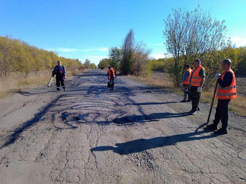 Дорожники приступили к ямочному ремонту дороги