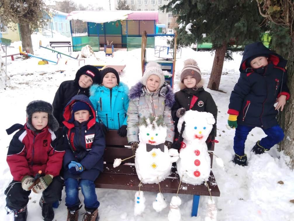 Ребята из Кашарского детского сада «Тополёк» с радостью встретили начало зимы