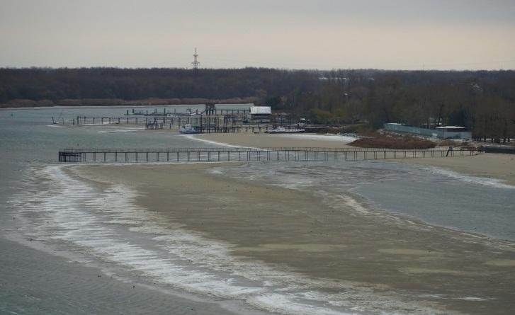 Из-за сильного ветра в Ростовской области обмелела река Дон
