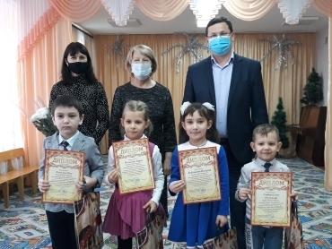 Воспитанников Кашарского детского сада «Тополёк» наградили Дипломами Департамента потребительского рынка Ростовской области