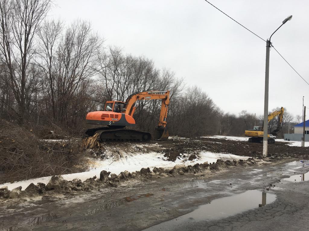 Работы по очистке реки Ольховой продолжаются