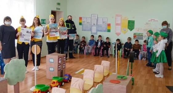 В Первомайском детском саду проведена акция «ДДД читаем и ПДД соблюдаем!»