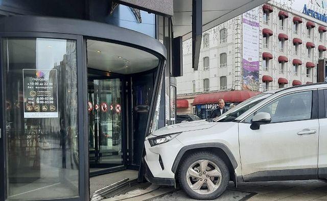 В крови водителя, протаранившего вход «Горизонта» в Ростове-на-Дону, обнаружили наркотики