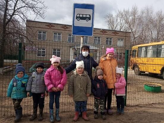 Фомино-Свечниковские культработники вместе со школьниками посчитали в Вишневке количество дорожных знаков