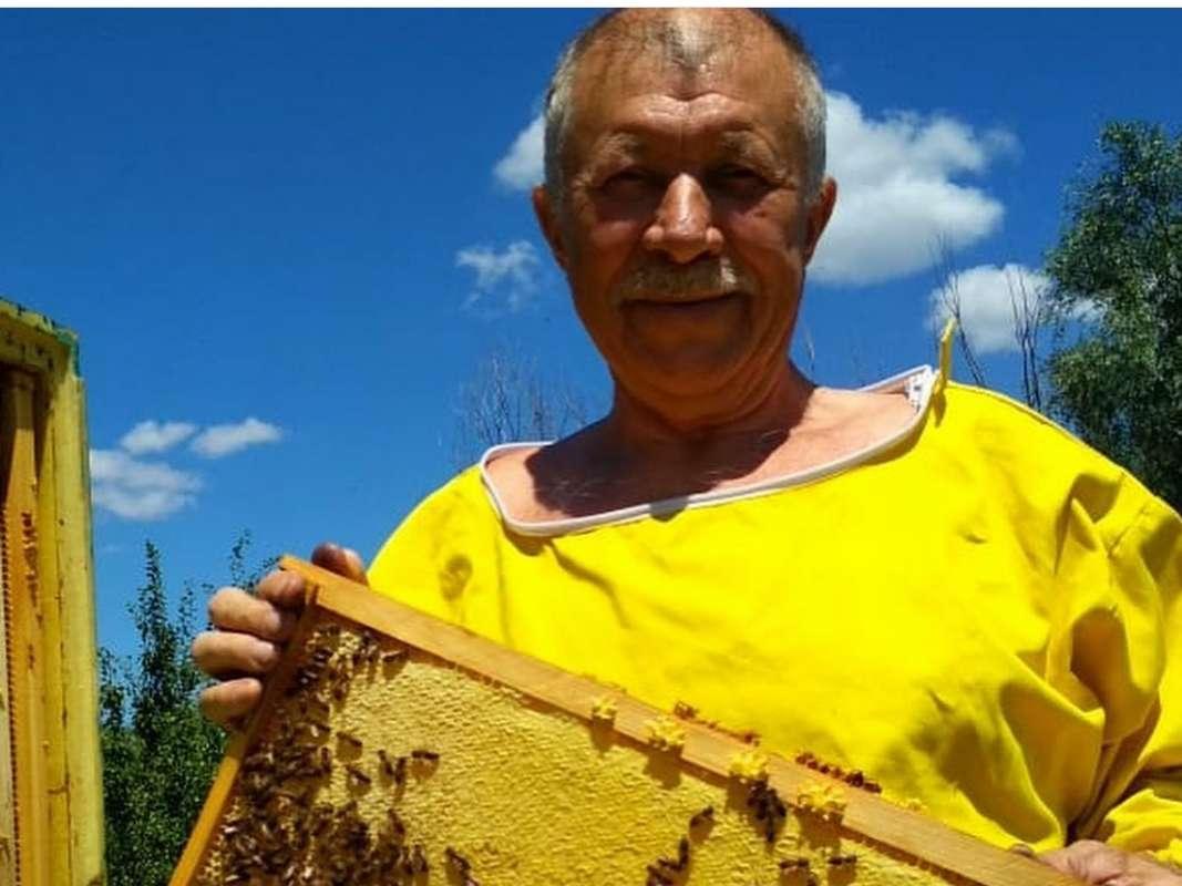 Николай Васильевич Берков вошел в число победителей среди пчеловодов