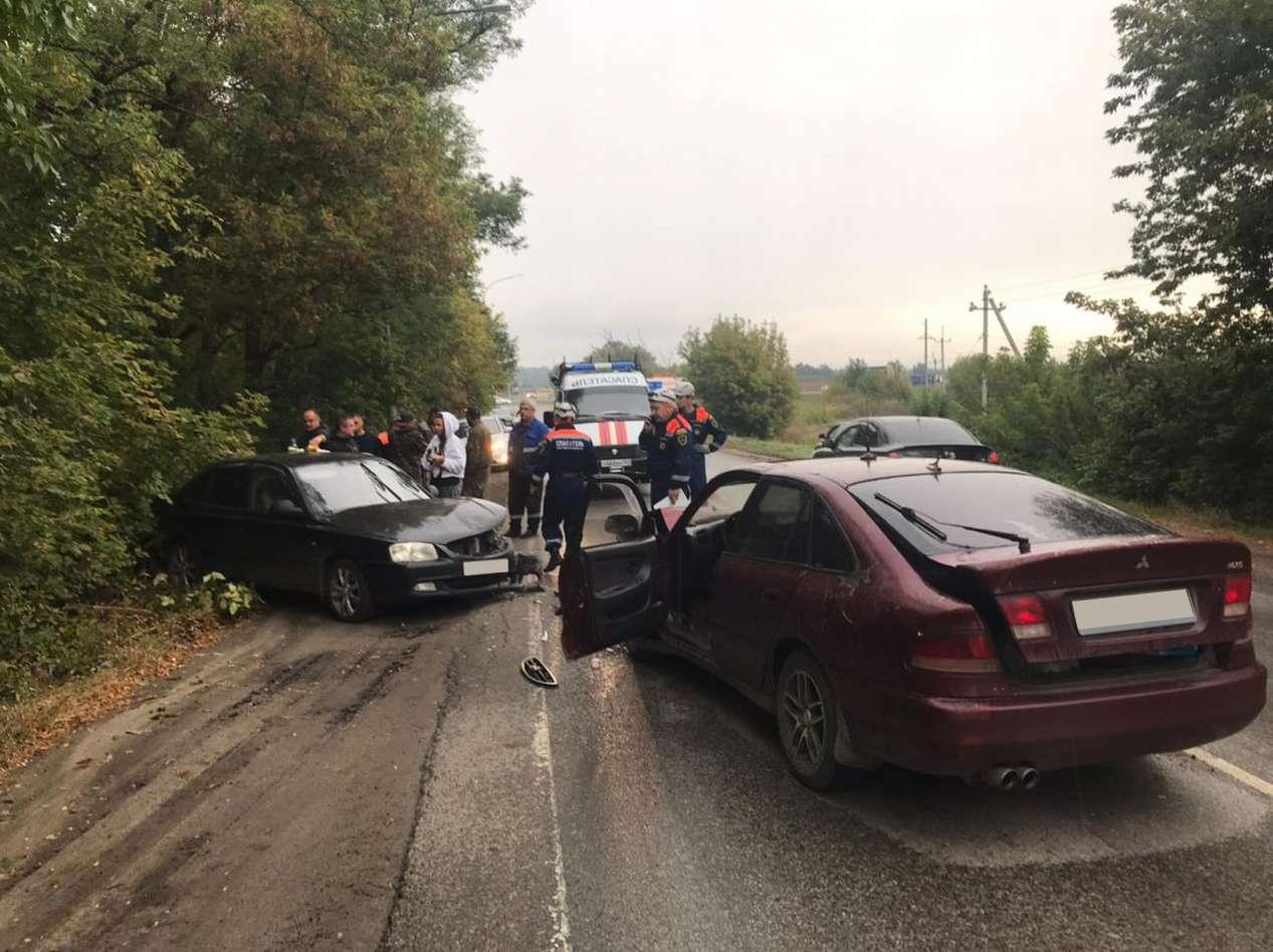 Около Ростова на Северном объезде областные спасатели оказали помощь в ликвидации ДТП