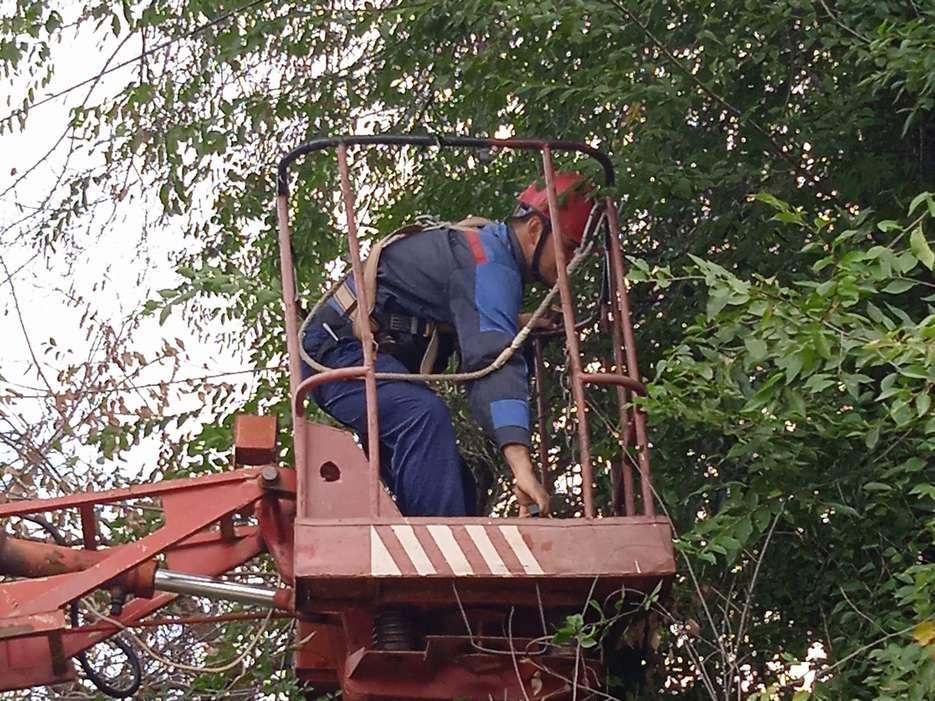 На улицах слободы Кашары работали электрики