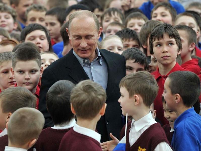 Встречу Владимира Путина со школьниками в детском центре «Океан» покажут в эфире марафона «Новое Знание»