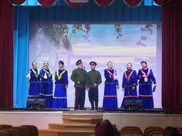 Кашарцы поздравили старшее поколение