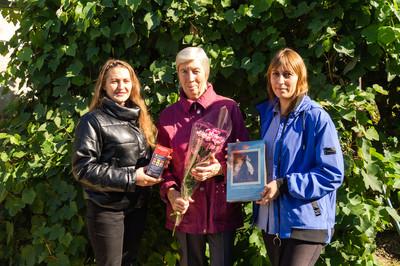 Сотрудники Кашарского музея организовали адресное поздравление «Дари добро»