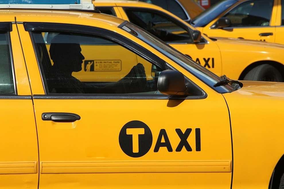 Поездки на такси станут безопаснее